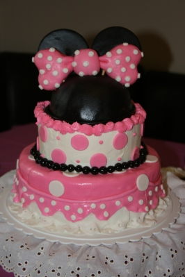 Minie Mouse Cake - 2014