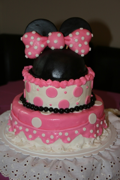 Minie Mouse Cake - 2014
