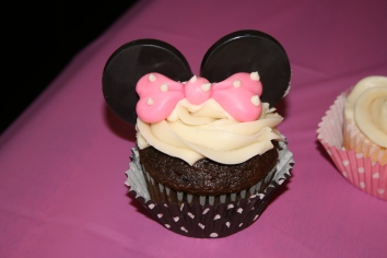 Minie Mouse Cupcake - 2014