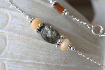 Tiger Eye Pendant Necklace - Detail