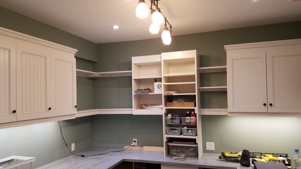 Craft Room Project: Shelves AreDone!